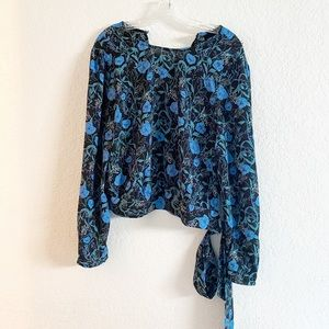 Who What Wear floral print plong sleeve blouse M